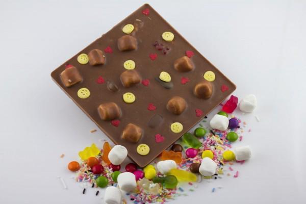 Vollmilch und Gummibärchen / Zuckerstreusel / Schokolinsen / Marshmallows
