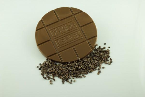 Vollmilch mit Kakaobohnensplittern