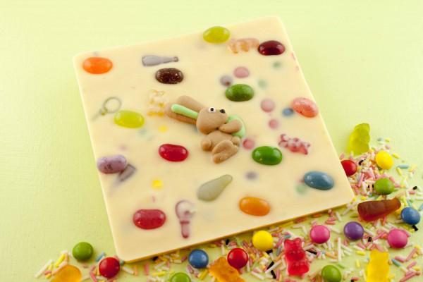 Weiße mit bunten Zuckerstreuseln, Schokolinsen, Haribo Mini-Mix.