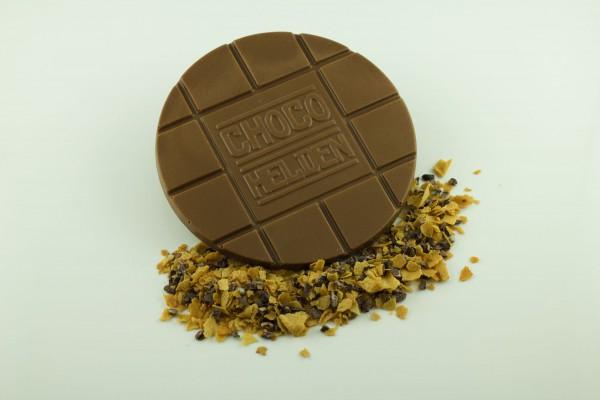 Vollmilch mit Crêpebruch und Kakaobohnensplittern