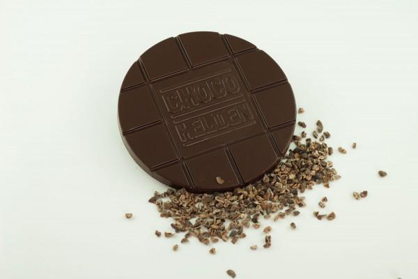 Zartbitter mit Kakaobohnensplittern