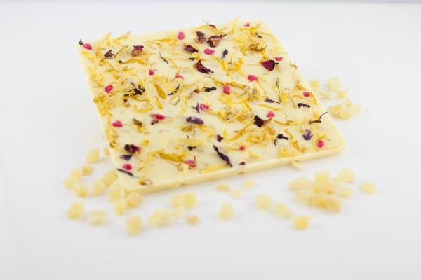 Weisse Schokolade mit fruchtig-scharfen Ingwerstückchen